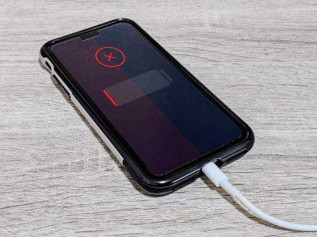 iPhoneいきなり電源つかない